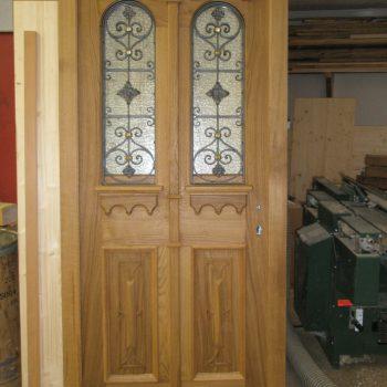 Haustüre Massiv mit Holz kunstvoll