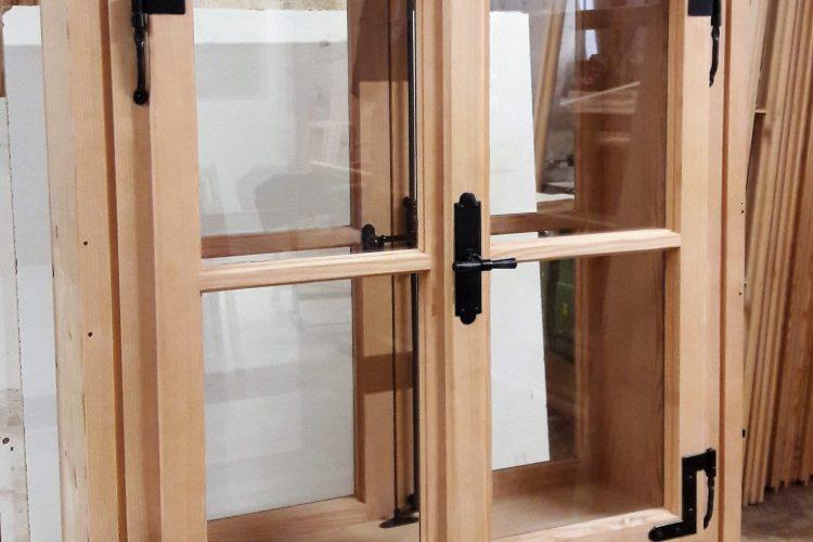 Holzfenster massiv rustikal Stil Tischlerei Lohninger